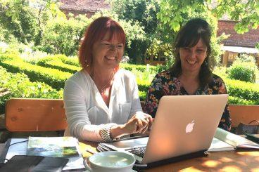 Monika und Yvonne <br>Wir arbeiten mit Freude